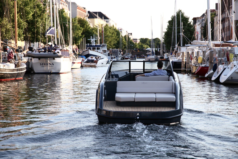 Geliefde RAND boats Nederland   Deens ontworpen luxe motorboten @HL44