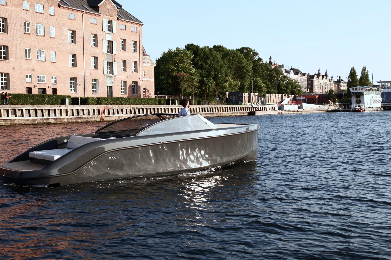 Bekend RAND boats Nederland   Deens ontworpen luxe motorboten #KE84