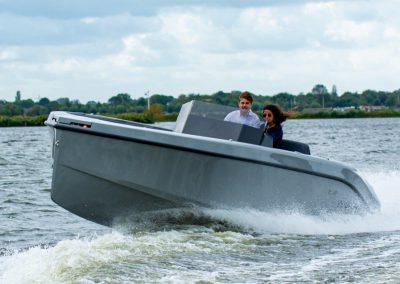 sportboot grijs