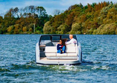 boot met fijn zonnedek